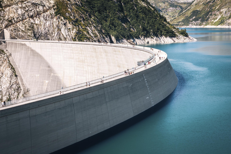 Dam wall (©iStock).