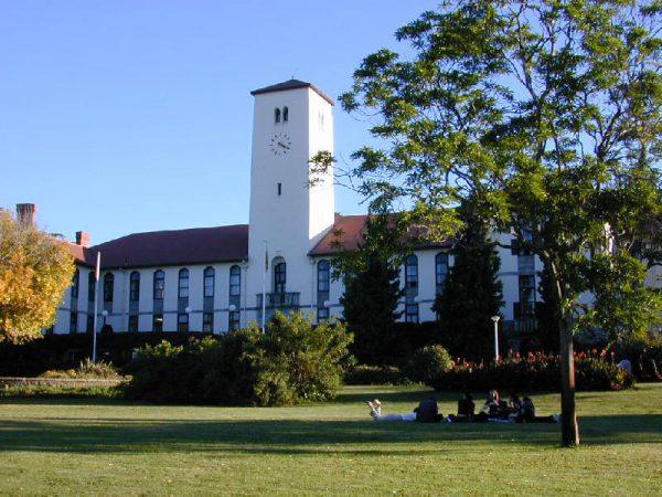 Rhodes University, Grahamstown (©Google Images).