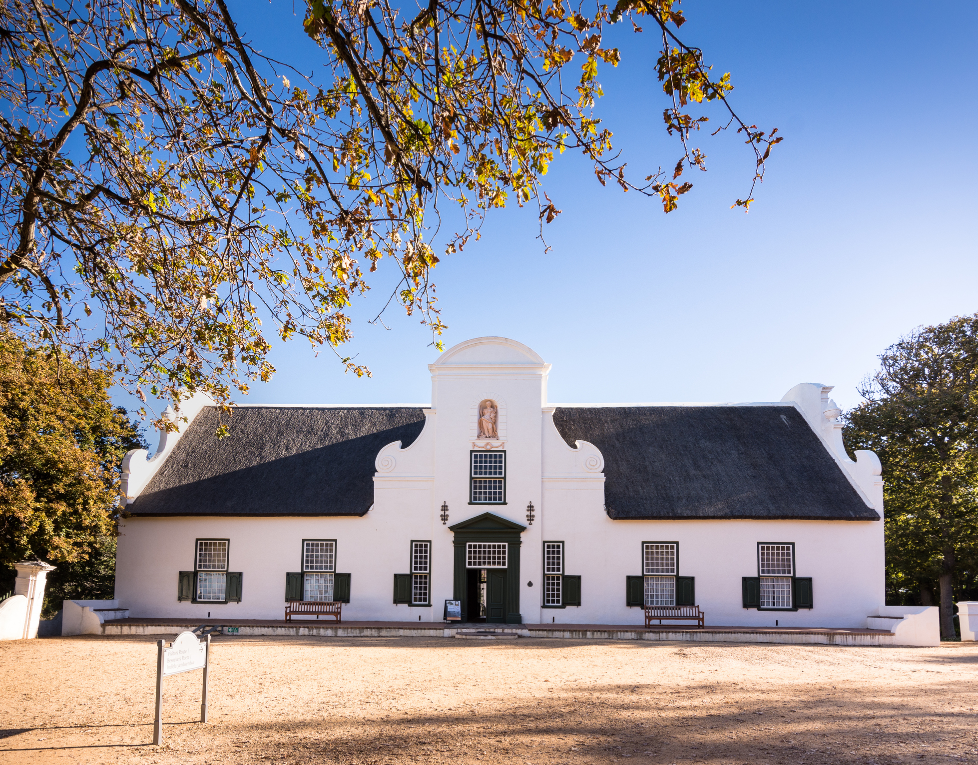 Images: ©iStock - Groot Constantia farm house in Cape Town, South Africa